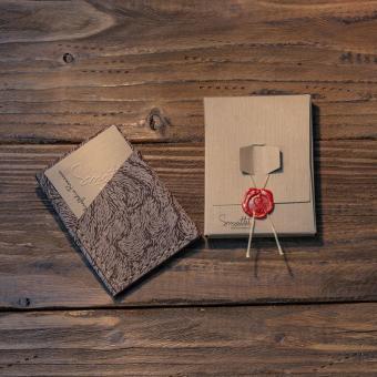 portofel piele maro personalizat facut manual