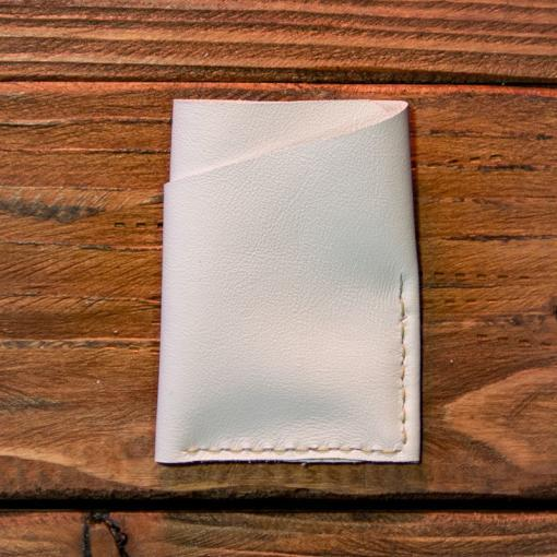 portcard alb brodat motive traditionale